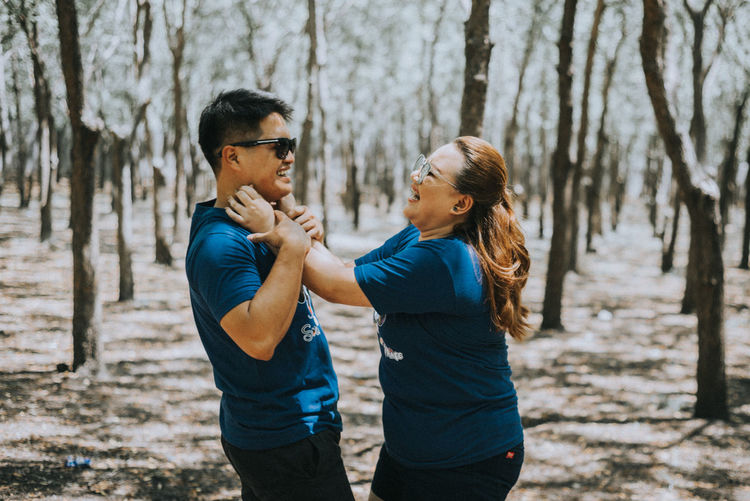 Happiness EyeEmNewHere EyeEm Best Shots EyeEm Nature Lover Happiness Love Life Candid Happy Couple Forest Francisdelacruzphotography Francisdcphotography Young Women Friendship Togetherness Women Human Hand Standing Men Couple - Relationship Romance Falling In Love First Eyeem Photo