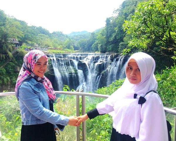 👭 Shifen Waterfalls Mybestfriend Togetherness Two People Mature Adult People Happiness Smiling Day Adult Standing Enjoyment Water Motion Adults Only Spraying Only Women Tree Outdoors Friendship Women Nature