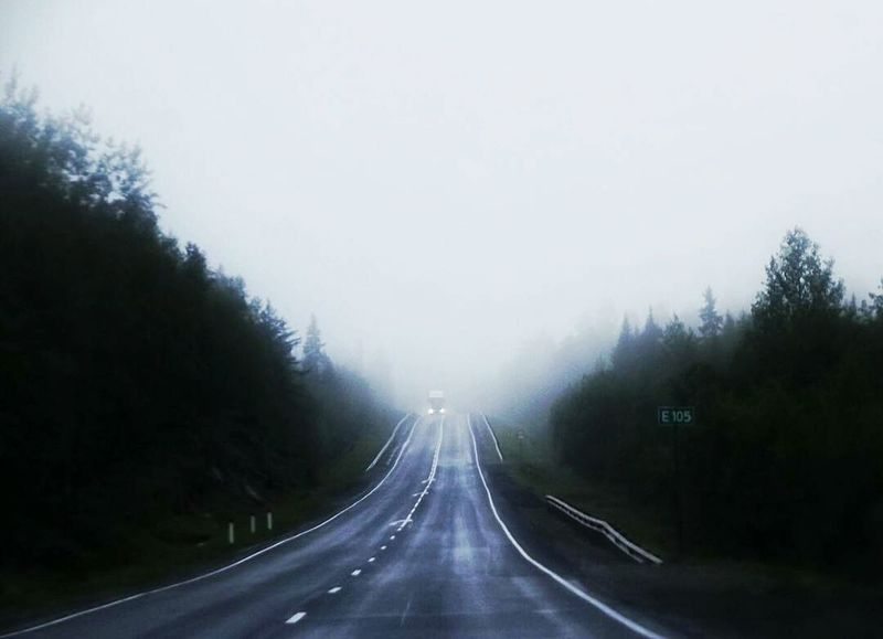 Transportation Highway Tree The Way Forward Road Outdoors Nature Day Beauty In Nature No People Sky