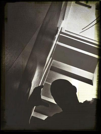Silhouette Iphoneartblackandwhite Stripe Shadow n'importe quoi ?