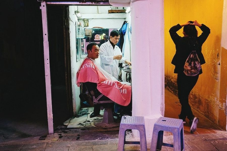 Hanoi VietNamnight Streetphotography Yoonjeongvin Adult Young Adult Full Length Adults Only Business Finance And Industry People Standing Inner Power