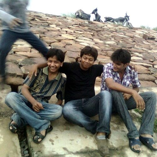 my oldest pic wid u guys.. ;) Bhalu Murgi Zoo