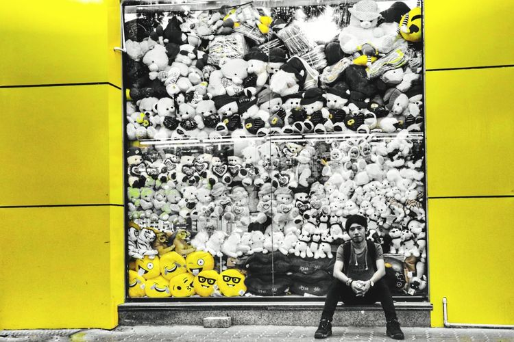 White Black EyeEmNewHere EyeEm Selects Yellow Eyes colour of life Shopart City Yellow Graffiti