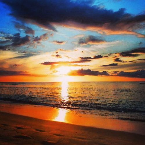 Fiji Yasawaisland Wayaisland Paradise Beautiful Beachparty Postcardpicture Photoofthemonth Aroundtheworld Fun Awesome Cool Sunset Polynesia Sea Amazingsky Colours Instagram Instagood Followme