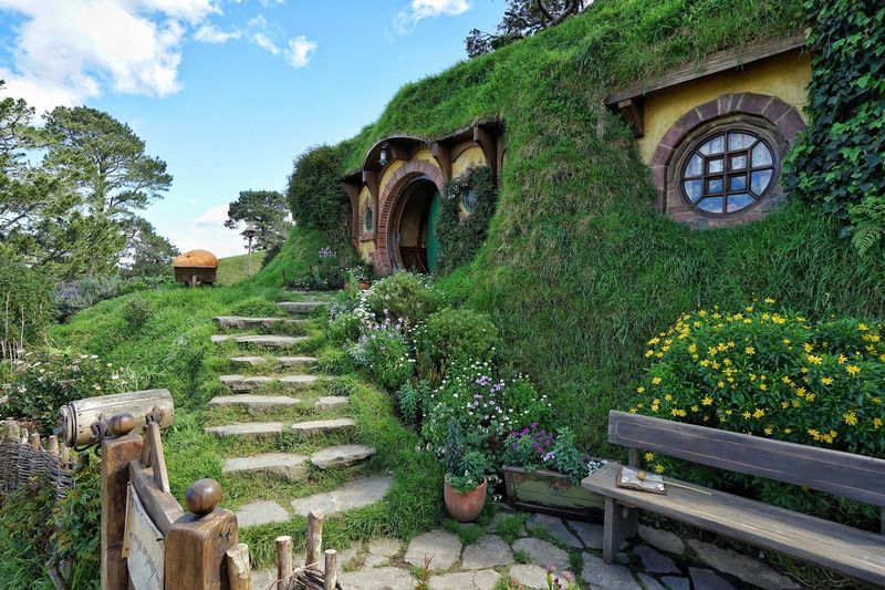 Middle Earth 🌏