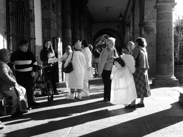 An angel Street Photography Bw_collection Streetphoto_bw NEM Street Monochrome Black & White Streetphotography NEM Submissions Darkness And Light NEM Black&white