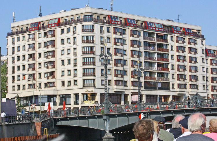 A Taste Of Berlin Berlin Hotels Hotels In Berlin River Spree Berlin Wellness Hotel Berlin Architecture Bridge Over The River Spree Building Exterior Built Structure City Day No People Outdoors Sky Travel Destinations