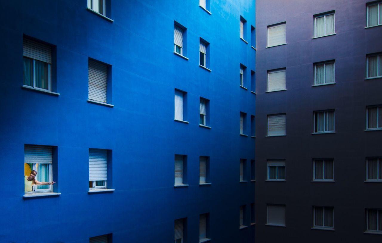 CLOSE-UP OF BLUE WINDOWS