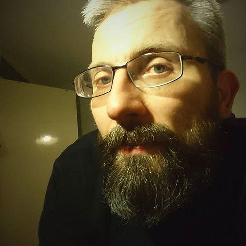 A late night Sds for @kendra_kay9160 @_free.at.last_ can you tell I been awake almost 20 hours.. 😭😰😴😤 play along if you wish Beardsandtattoos Greyhair  Bpdfam Bearded Beardporn Uk Beards Beard Pognophiles Smile Beardgame Beardandcompany Handsome Beardedmen VSCO Beardlovers Tatted Sleepy Instabeard Motörhead Livetowin Metalhead Volbeat ACDC bedtime aceofspades tired