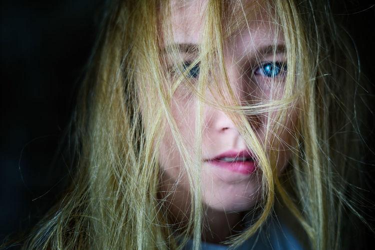 Caroline portrait décoiffé. Blond Hair Blonde Blonde Girl Blue Eyes Young Woman Portrait Futuristic Pixelated Portrait Human Face Studio Shot Headshot Digital Composite Close-up Pretty Lipstick Pink Lipstick  Natural Beauty Blush - Make-up