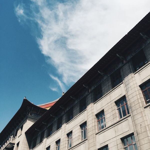 University Faculty Buildings & Sky Building Exterior Building IPhoneography VSCO Vscocam Vscoinchina Harbin China 哈尔滨 中国