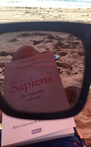 #Detodounpoco #Libros #book #YuvalNoahHarari Text Western Script Beach Land Sand Communication Sea