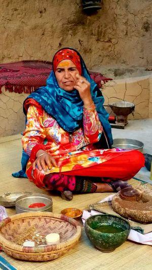 Oman. Woman Oman Oman_photography Artigianato Travel Photography Traveling Travel Portrait Portrait Of A Woman Portraits Portrait Photography Portraiture PortraitPhotography Working Woman Portrait Womanportrait CaptureTheMoment EyeEm Best Shots