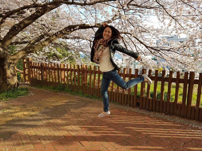 Girl Power Jump High Feeling Free Sakura2016 Cherry Blossoms Beautiful Scenery