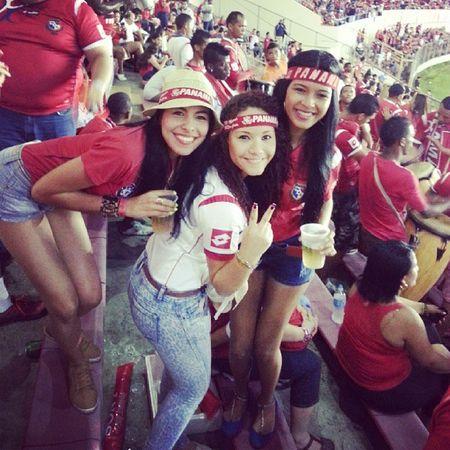 Nos quedamos pero disfrute cada minuto del partido♥ Rommel Graciassele @ariargelis_du @jeanderyspaola