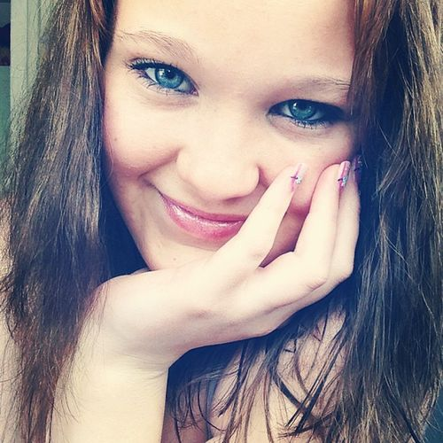 Tryibg To  Look Cute brown hair blue eyes nails