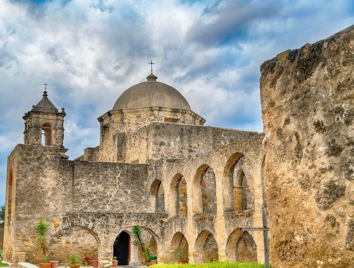 Mission Architecture_collection Architecture Built Structure History Arch Cloud - Sky Sky Building Exterior Old Ruin Day Travel Destinations Outdoors Ancient Low Angle View Religion No People Dome Place Of Worship Ancient Civilization EyeEmNewHere