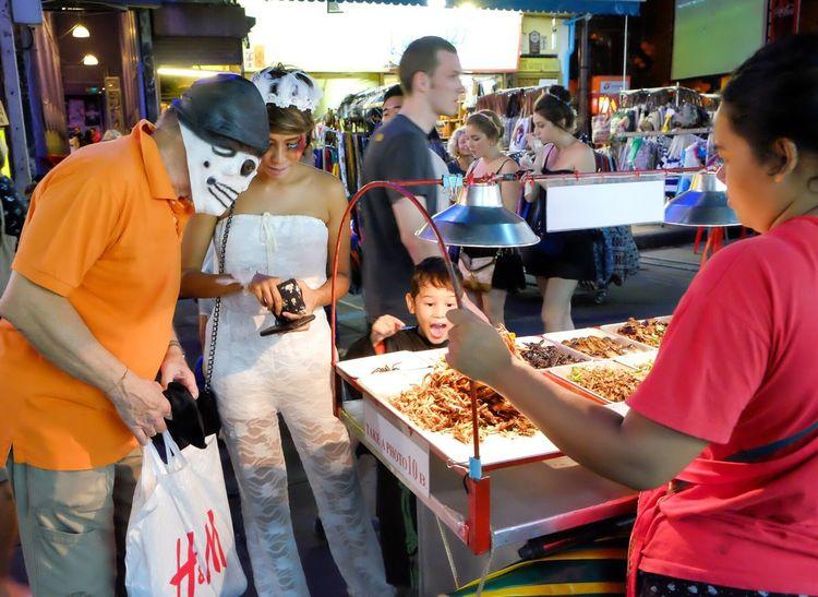 Feel The Journey Streetphoto Streetphotography EyeEm TheWeekOnEyeEM Worm Friedinsects Food Bambooworms Kaosarm Kaosarnroad Bangkok Thailand
