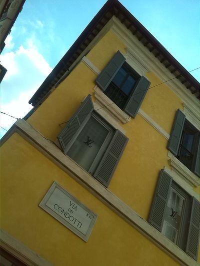Via Condotti Hello World Streetphotography Via Dei Condotti Rome