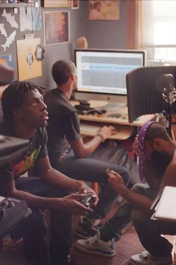 Studio chilling Flatbush Zombies
