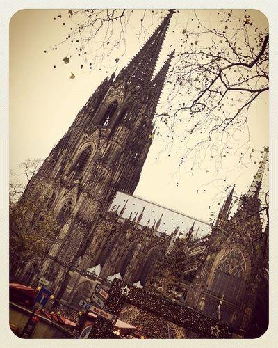 Weihnachtsmarkt am Dom Christmasmarket Dom Cologne Cathedral Koelnergram Koelnerdom Weihnachtsmarkt Vintagefilter Filter IGDaily Igers Ig_cologne