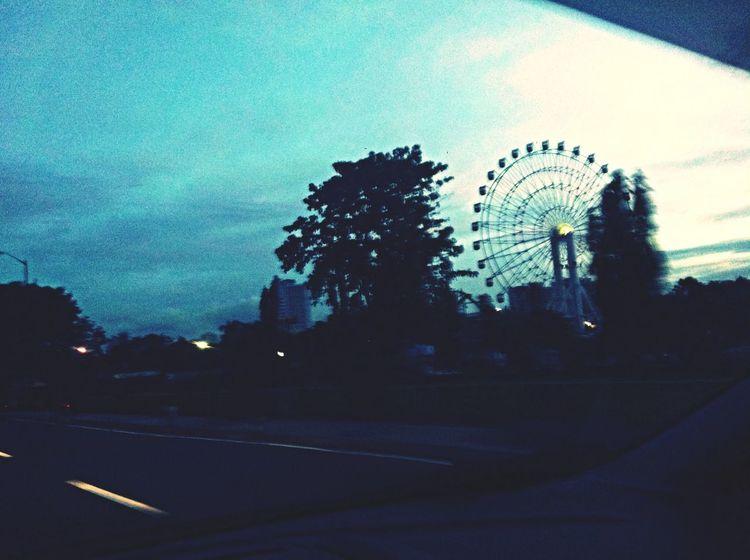 Monday morning drive to manila. Takingpictureswhiledriving Fordfiesta Batangastomanila Pilipinaskongmahal