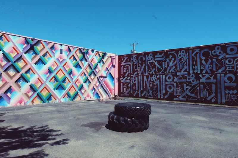 Im between the walls, the colors on my mind. Miami Multi Colored Graffiti Colorful Street Art/Graffiti Wynwoodwalls Wynwood Corners Wall Walls The Street Photographer The Street Photographer - 2017 EyeEm Awards