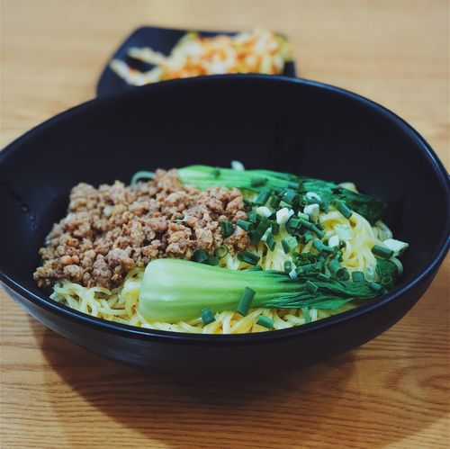 Zhájiàngmiàn Noodles Chinese Food Zhajiangmian Food And Drink Food Bowl Indoors  Table Healthy Eating Freshness Vegetable Serving Size Close-up Ready-to-eat