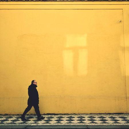 Limitless World Streetphotography Prague Sunlight Streetphoto_color