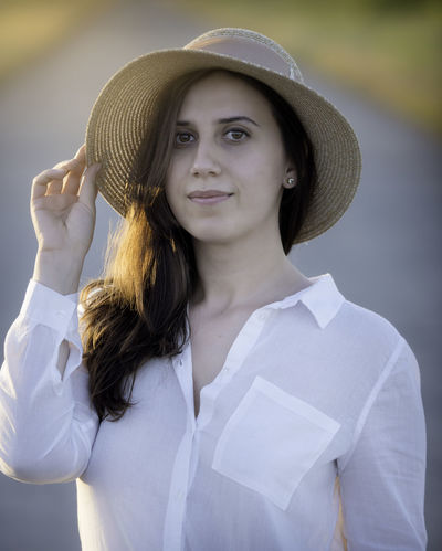 Beautiful Girl Casual Clothing D800 Eyes Eyes Are Soul Reflection Girl Power Hat Leisure Activity Lifestyles Outdoors Person Portrait Portrait Of A Woman Portrait Photography Relaxing Moments White Shirt Woman Portrait Womanity