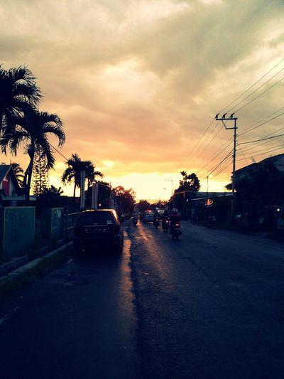 Suatu sore menjelang magrib~ Cheese! Sunset View. Twilight