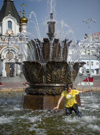 Russia, Yekaterinburg, fountains, heat, youth Architecture Built Structure City City Life Day Flowing Water Leisure Activity Lifestyles Motion Nature Outdoors Rippled Russia, Yekaterinburg, Fountains, Heat, Youth Sky Splashing Spraying Tourism Travel Destinations Water