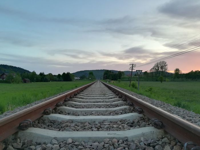 Empty Railway Clouds And Sky Railroad Track Sky Cloud - Sky Grass