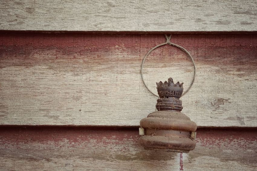 Oil Lamp Vintage Retro Wall - Building Feature No People Day Water Architecture Outdoors Textured  Art And Craft Close-up Built Structure Shape Nature Old Design Hanging Wall Creativity Pattern Textured Effect