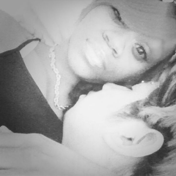 I like this in black and white ^_^ but babe fell asleep >_< we're cute...