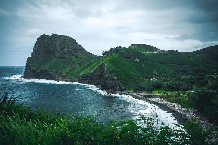 Road To Hana Surf Sky Cloud - Sky Beauty In Nature Water Plant Nature Scenics - Nature Sea No People Tranquility Tree Mountain Green Color Land Day Tranquil Scene Beach Outdoors