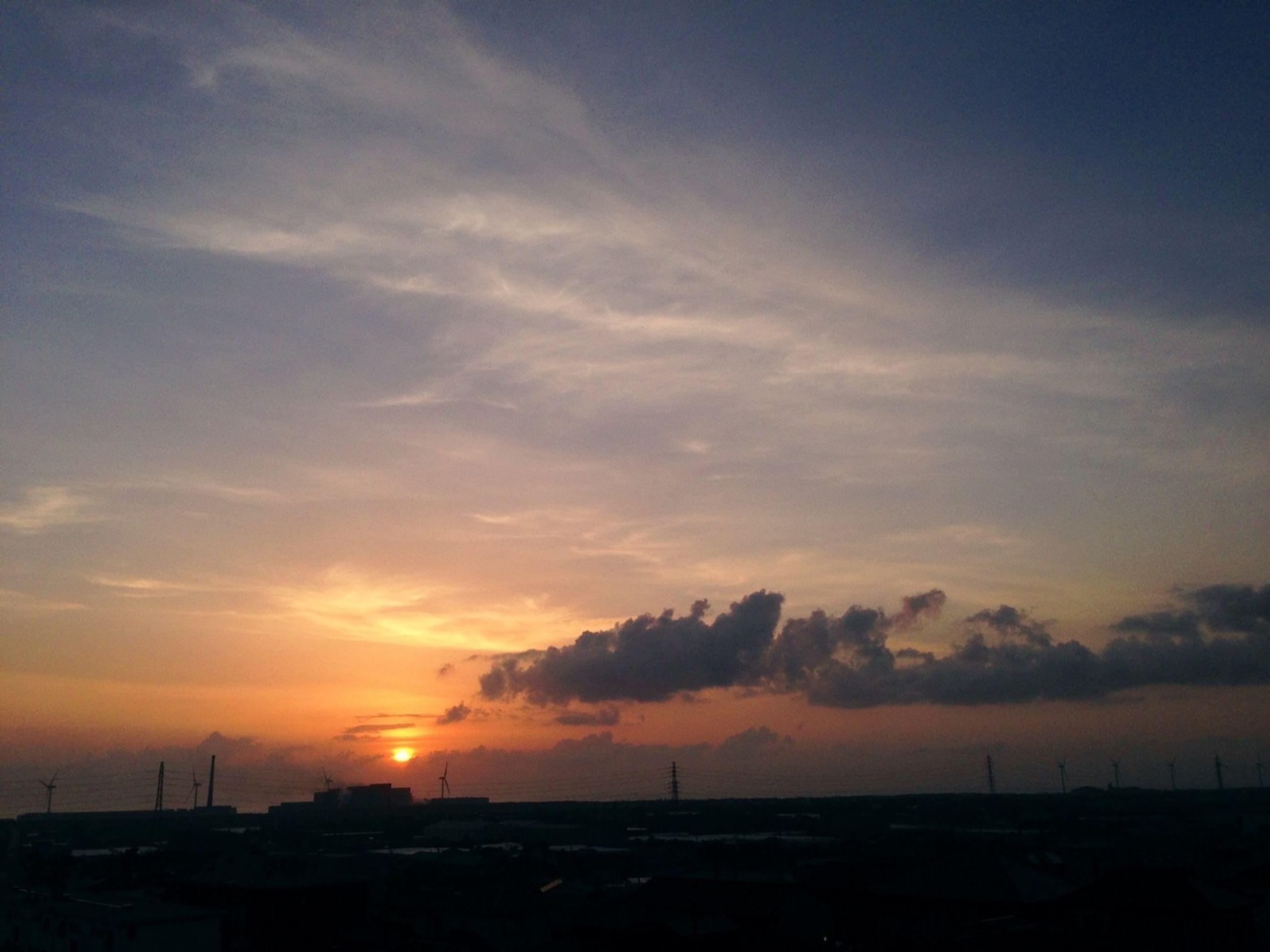 sunset, sun, orange color, silhouette, sky, scenics, beauty in nature, tranquil scene, tranquility, cloud - sky, nature, idyllic, sunlight, outdoors, sunbeam, cloud, no people, landscape, dramatic sky, dark