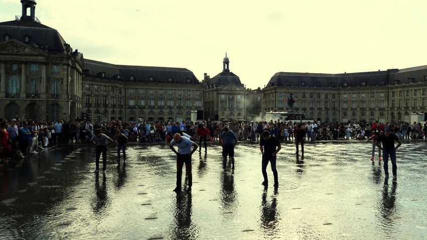 Bordeaux Placedelabourse Miroir D'eau - Bordeaux Miroir D'eau Dancing Danse Dancers Water La Fête Du Vin France Juin 2016 June 2016 Showcase June