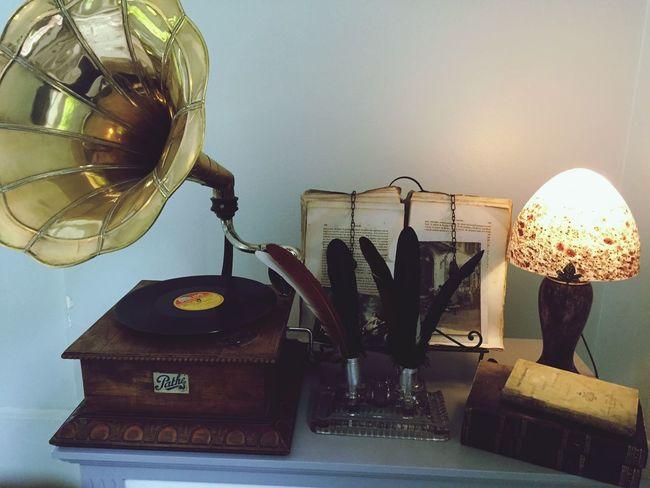 Chateaubriand  House Phonograph Tournedisque Vintage