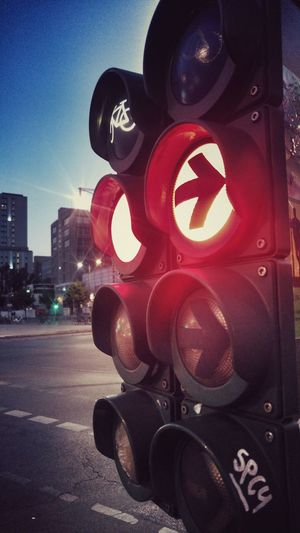 Street Streetphotography Sabikey Photography Ample Red Right Spcy Sky Close-up Stoplight Crossing Sign The Street Photographer - 2018 EyeEm Awards