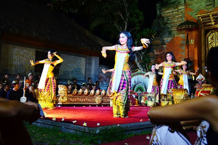 Balinese folk dance at the Ubud palace Ubud Bali INDONESIA Folk Dance Cultures Backpacking Dance