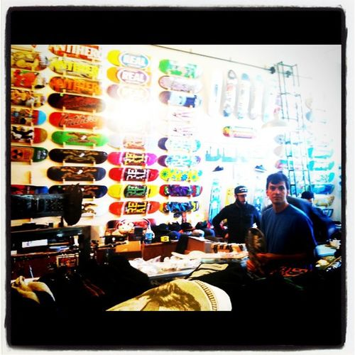 This clothing store has a lot of skateboards! ;) Haroldo needed a new popsicle stick before the vert session.