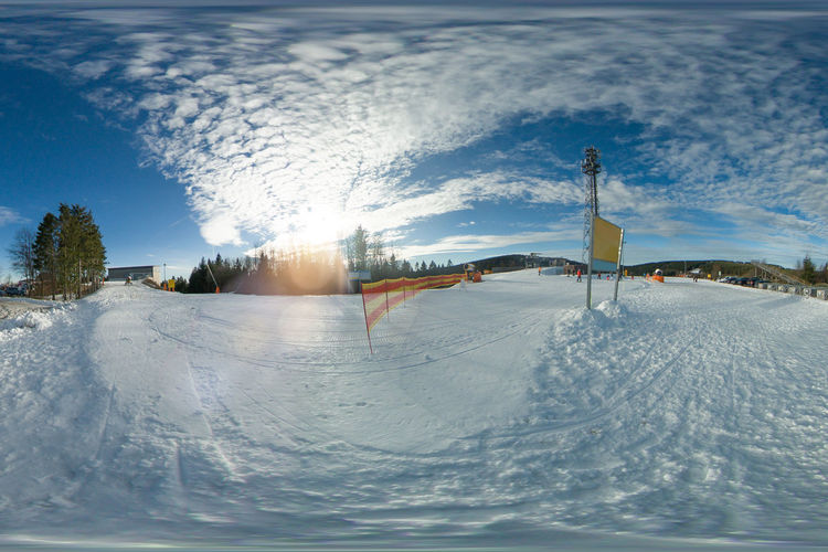 In winterberg, the ski slope in the kappe area. lift, snow cannon, unknown skiers can be seen.