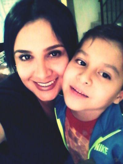 Con mi hijo hermoso !!
