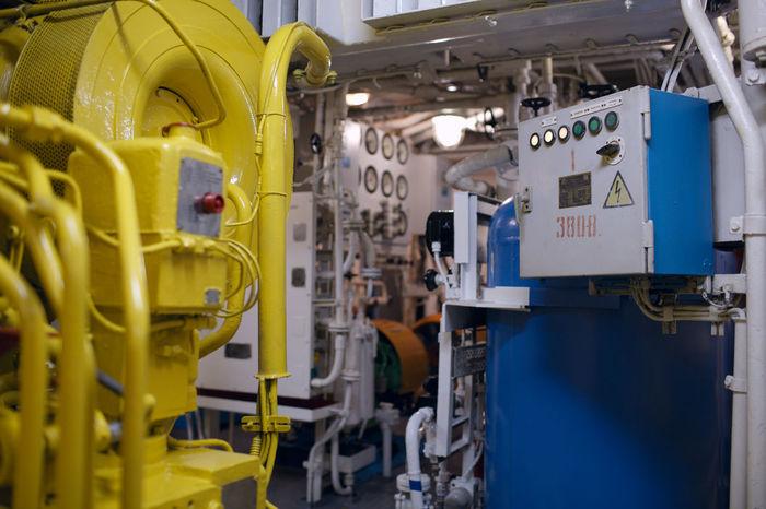 Boat Control Cylinder Diesel Engine Filter Grip Heads Hydraulic Interior Machine Marine Nobody Pump Ship Tear