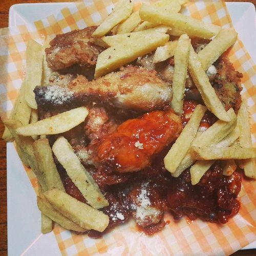 저녁 어제는 녹즙오늘은 치킨 양념치킨감자튀김다이어트안녕그래도기름이적은저유치킨^^;홈메이드onelove