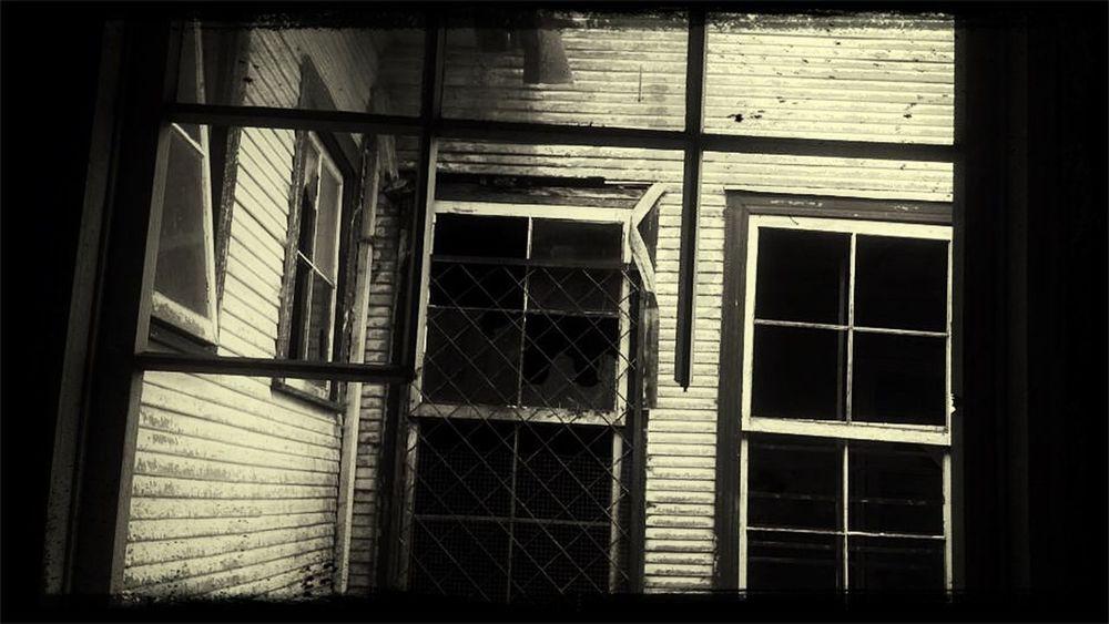 Gloomy Sanatorio Durán  Monochrome