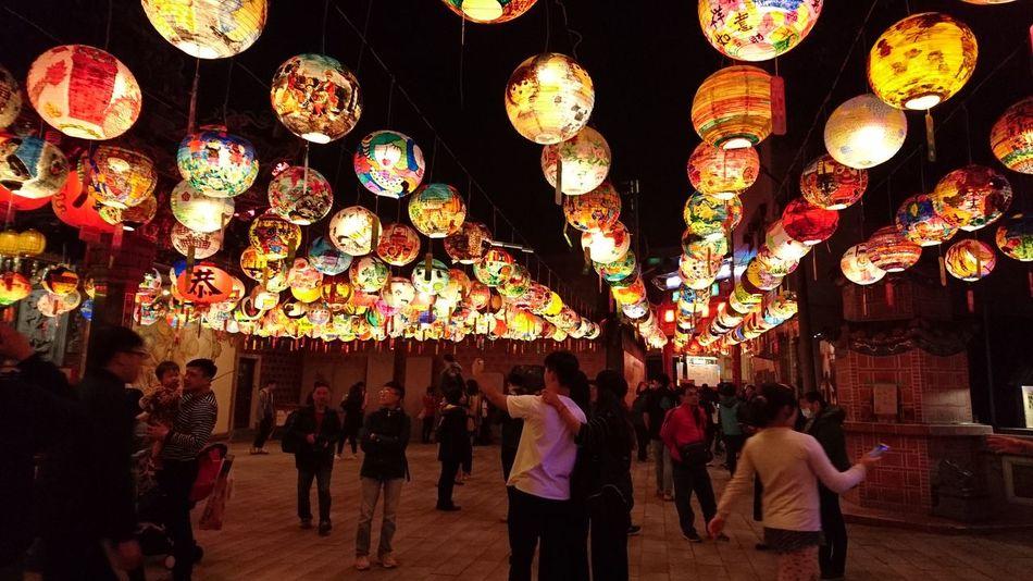 普濟殿 元宵節 台南 普濟殿 廟宇 古蹟 Lighting Equipment Hanging Illuminated Lantern Celebration People Multi Colored Night Mobility In Mega Cities