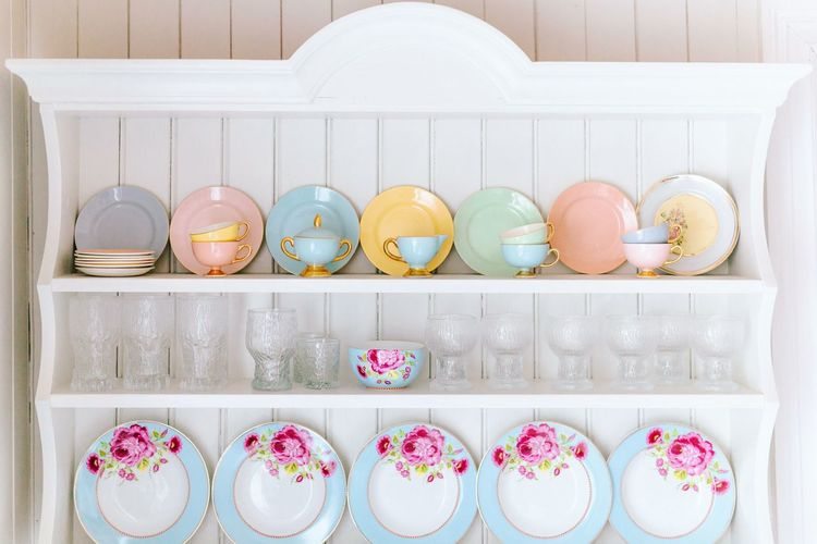 Norway Norway Style Norwegian Norwegianstyle Home Home Sweet Home Cozy Kitchen Art Kitchenware Cupboard Pastel Pastel Power Pastel Colors Tea Tea Time Teapot Interior Decorating Interior Photography Home Decor Beautifully Organized