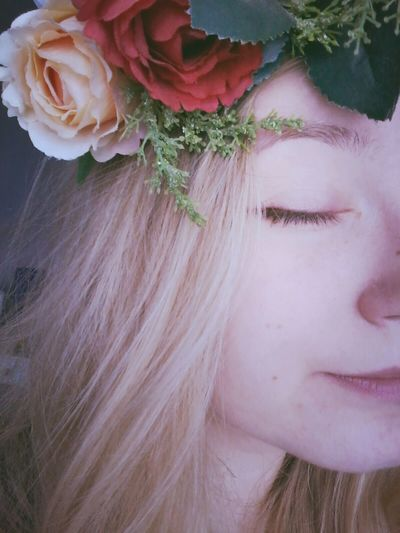 First selca here~ My Flower Crown Obsession Flower Crown